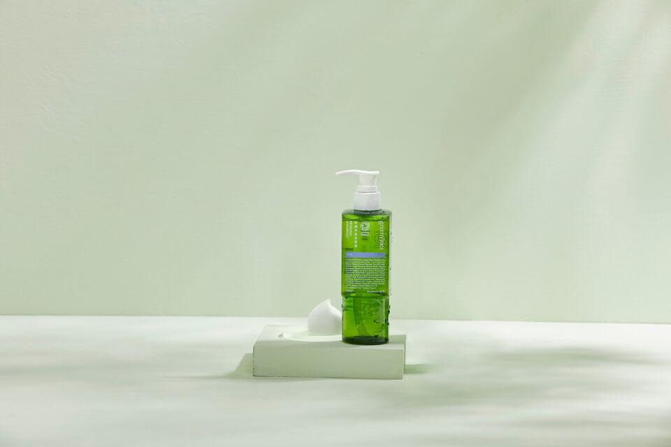 修護承諾洗髮精,揮別頭髮毛躁,由內而外修護受損髮