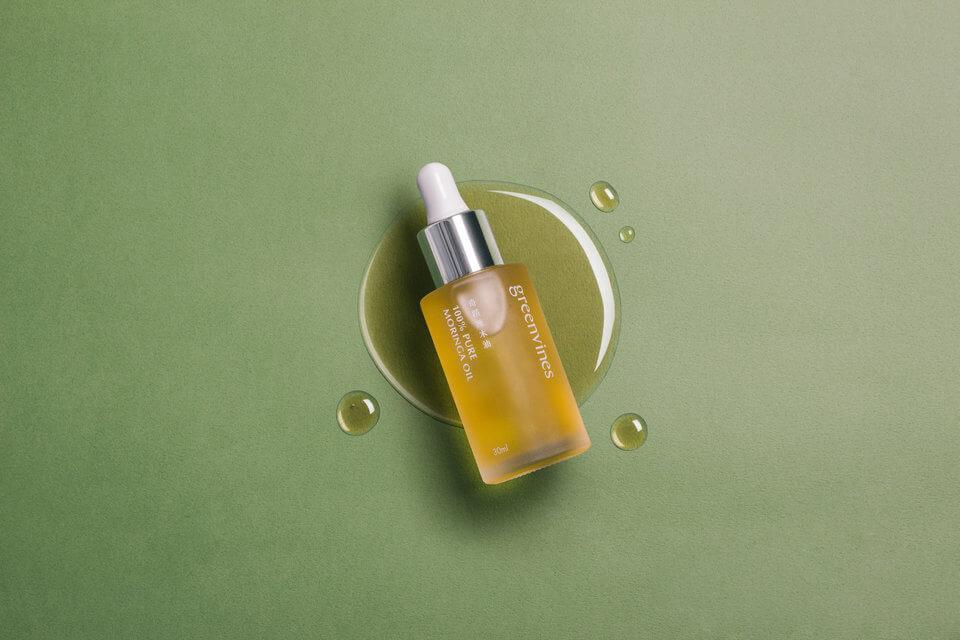 專業彩妝師推薦以 100% 天然奇蹟辣木油作妝前保養使用