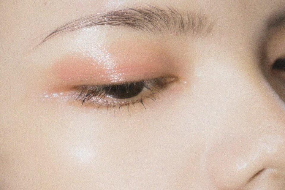 毛孔隱形霜、妝前乳通常僅有修飾外觀的作用,長期的保養價值相對低