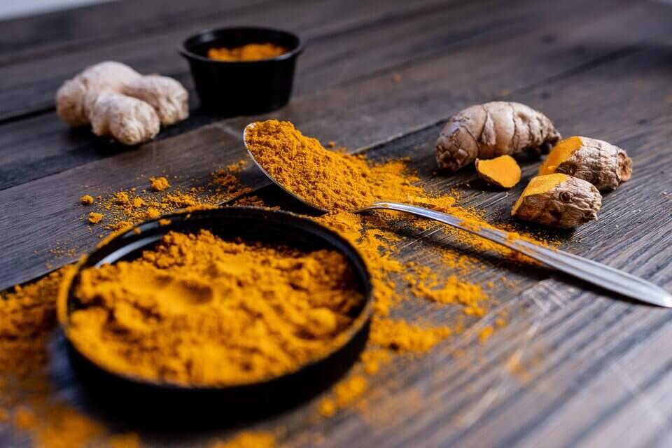 薑黃素、兒茶素抗氧化物都是經實驗證實有效的抗老成分