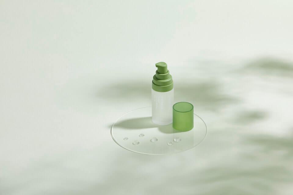 純粹保濕精華液,讓保濕效果更長效,角質層維持更健康的涵水狀態